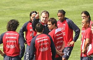 Técnico argentino Marcelo Bielsa comanda treino do Chile