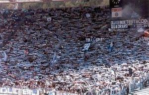 Torcida da Lazio, no estádio Olímpico de Roma