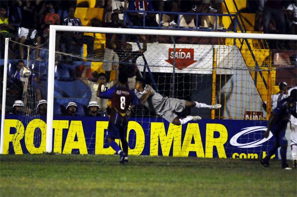 Pernambucano-2010: Vitória 2 x 1 Santa Cruz