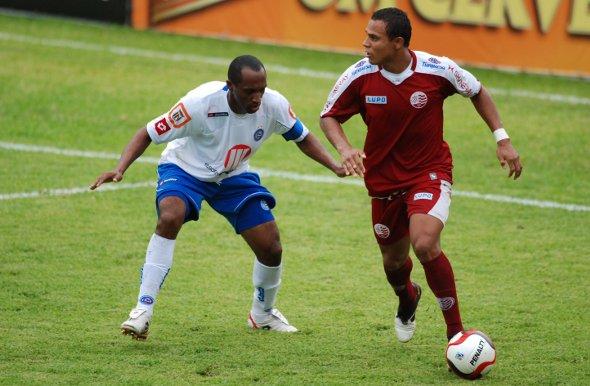 Série B-2010: Náutico 3 x 2 Bahia. Foto: Ricardo Fernandes/DP