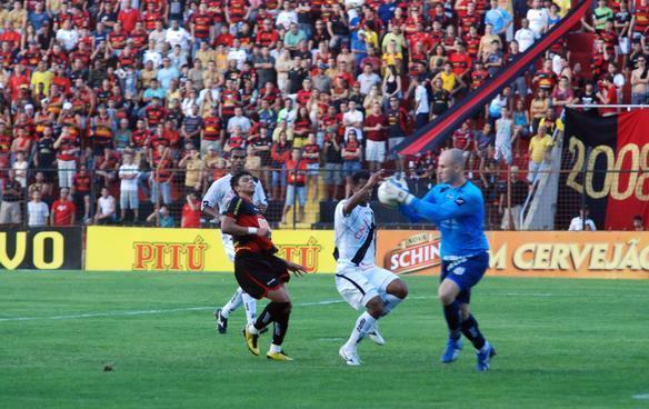 Série B-2010: Sport 1 x 1 Ponte Preta. Foto: Júlio Jacobina/DP