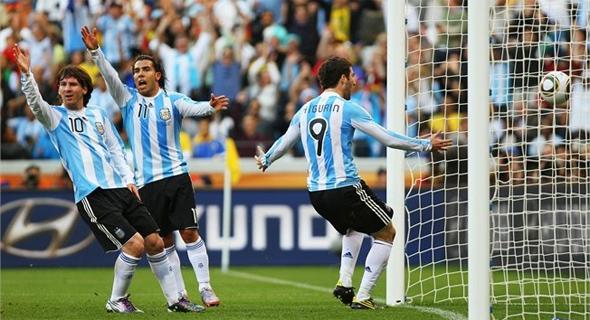 Copa do Mundo de 2010: Argentina 0 x 4 Alemanha