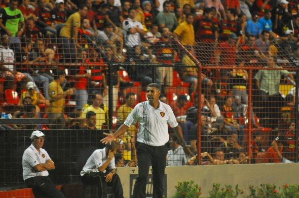 Toninho Cerezo, durante a partida Sport 1 x 2 Duque de Caxias, pela Série B de 2010. Foto: Juliana Leitão/Diario de Pernambuco