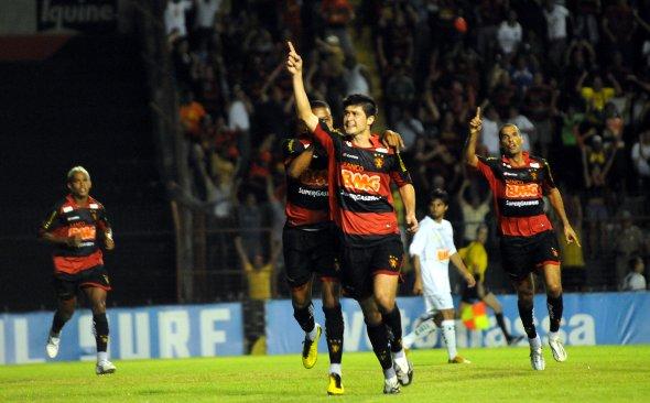 Série B-2010: Sport 1 x 0 América/MG. Foto: Edvaldo Rodrigues/Diario de Pernambuco