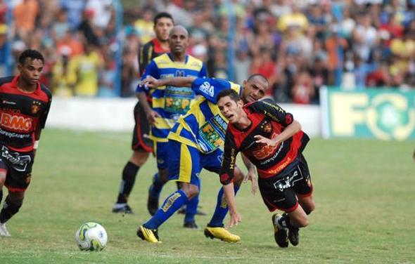 Pernambucano 2011: Araripina 2 x 0 Sport. Foto: Ricardo Fernandes/Diario de Pernambuco