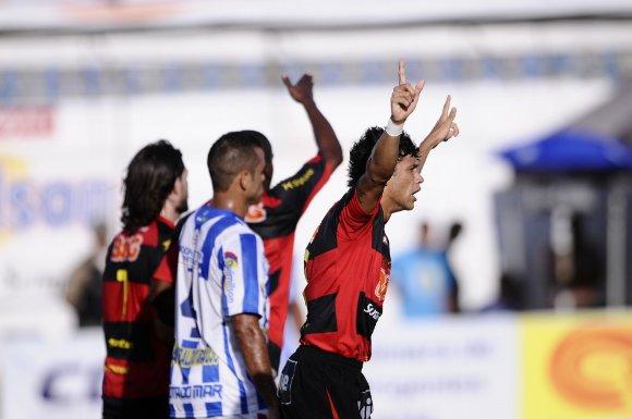 Pernambucano 2011: Ypiranga 1 x 2 Sport. Foto: Ricardo Fernandes/Diario de Pernambuco