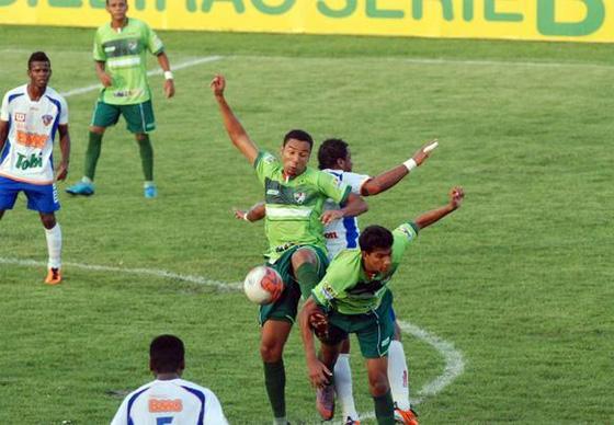 Série B 2011: Salgueiro 2 x 0 Duque de Caxias. Foto: Júlio Jacobina/Diario de Pernambuco