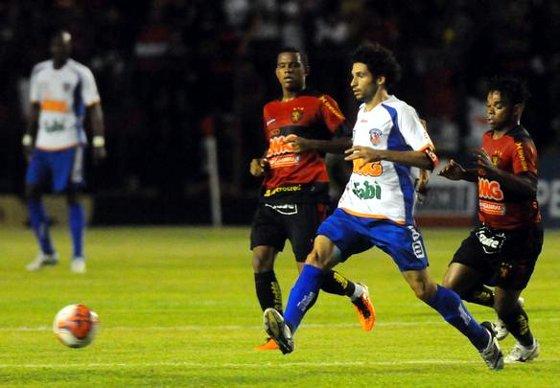 Série B 2011: Sport 1x1 Duque de Caxias. Foto: Helder Tavares/Diario de Pernambuco