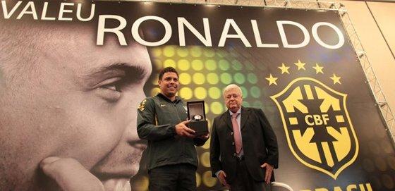 Ronaldo e Ricardo Teixeira na CBF. Foto: CBF/divulgação
