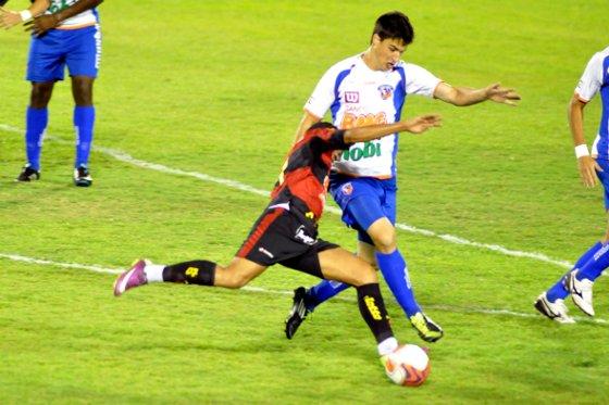 Série B 2011: Duque de Caxias 1x2 Sport. Foto: Paulo Dimas/Futura Press
