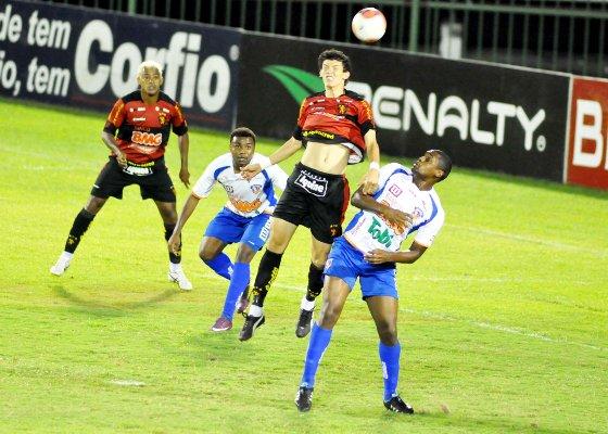 Série B 2011: Duque de Caxias 1x1 Sport. Foto: Paulo Dimas/Futura Press