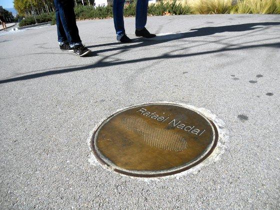 Marca do tênis de Rafael Nadal, no Parque Montjuic, em Barcelona. Foto: Cassio Zirpoli/Diario de Pernambuco