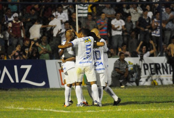 Pernambucano 2012: Ypiranga 1x0 Santa Cruz. Foto: Ricardo Fernandes/Diario de Pernambuco
