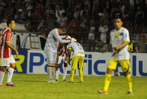 Pernambucano 2012: Araripina 3x0 Sport. Foto: Bernardo Dantas/Diario de Pernambuco