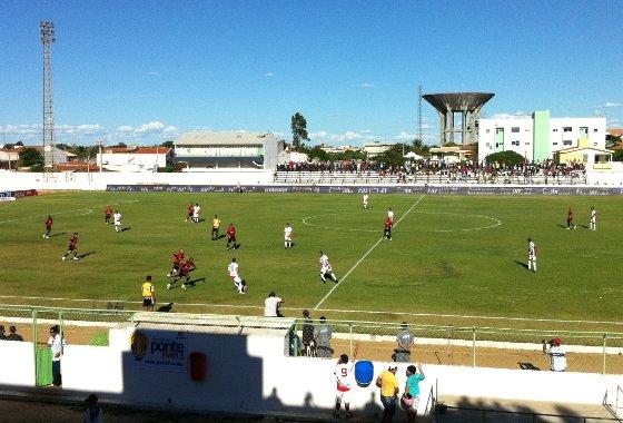 Pernambucano 2012: Petrolina 0x1 Sport. Foto: Lucas Fitipaldi/Diario de Pernambuco