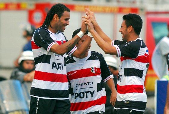 Pernambucano 2012: Santa Cruz 2x0 Serra Talhada. Foto: Ricardo Fernandes/Diario de Pernambuco