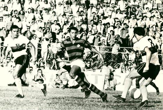 Série A 1971: Sport 1x0 Flamengo. Foto: Placar