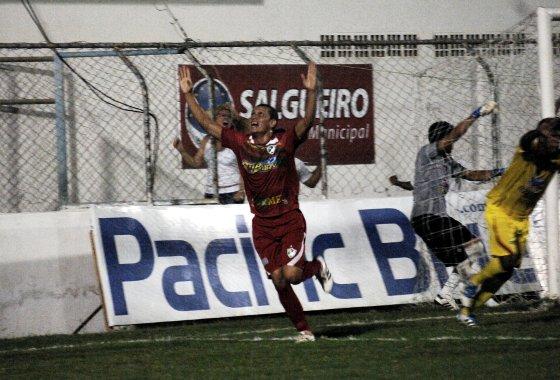 Pernambucano 2012: Salgueiro 1x0 Petrolina. Foto: Roberto Ramos/Diario de Pernambuco
