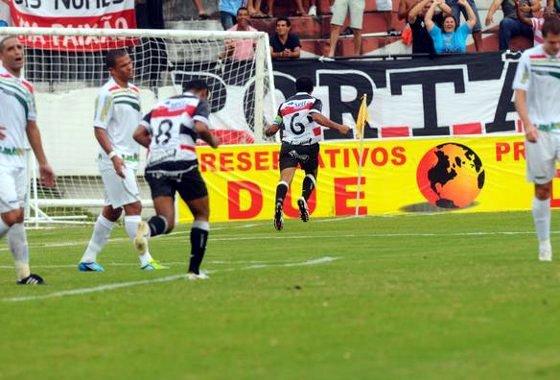Pernambucano 2012: Santa Cruz 2 x 0 Salgueiro. Foto: Edvaldo Rodrigues/Diario de Pernambuco