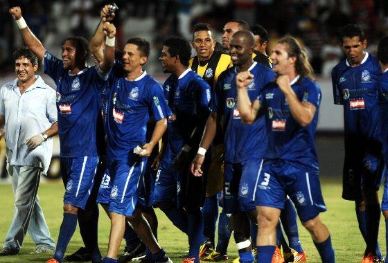 Copa do Brasil 2012: Santa Cruz 2x3 Penarol. Foto: Roberto Ramos/Diario de Pernambuco