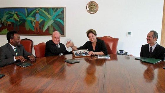 Joseph Blatter e Dilma Rousseff, em encontro no Brasil, março de 2012. Foto: Fifa/divulgação