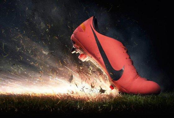 Chuteira de Cristiano Ronaldo, da Nike, em 2012. Foto: Nike: divulgação