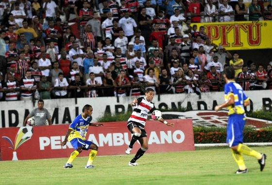 Pernambucano 2012: Santa Cruz x Araripina. Foto: Roberto Ramos/Diario de Pernambuco