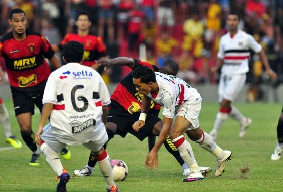 Pernambucano 2012: Sport 2 x 1 Santa Cruz. Foto: Helder Tavares/diario de Pernambuco