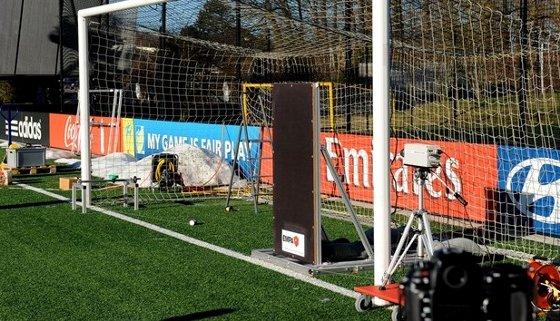 Teste eletrônico da Fifa em jogos de futebol. Foto: Fifa/divulgação