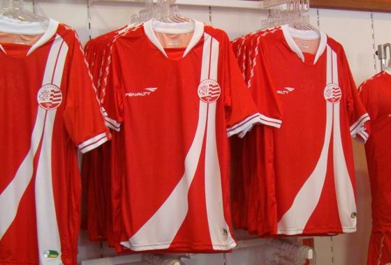 Terceiro uniforme do Náutico para a temporada 2012. Foto: Yuri de Lira/Diario de Pernambuco