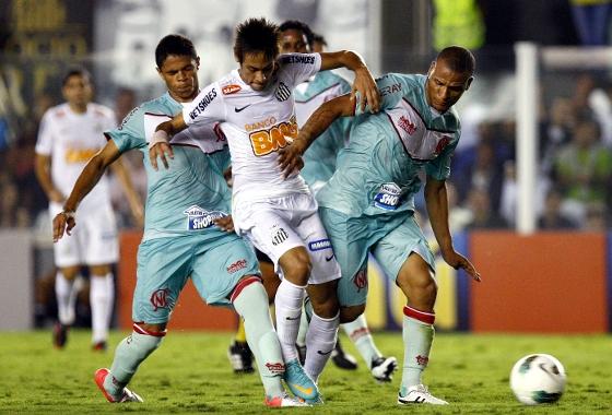 Série A 2012: Santos x Náutico. Foto: RICARDO SAIBUN/AGIF/ESTADÃO