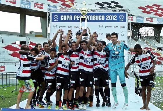 Copa Pernambuco 2012, final: Santa Cruz 0x0 Porto. Cobra Cobral faturou o tetra. Foto: Jamil Gomes/Santa Cruz