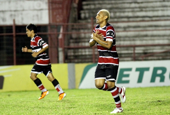Copa do Brasil 2014, 1ª fase: Santa Cruz x Lagarto. Foto: Ricardo Fernandes/DP/D.A Press