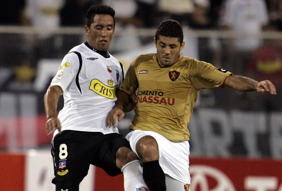 Libertadores de 2009, fase de grupos: Colo Colo (CHI) 1x2 Sport. Foto: EFE/Ian Salas