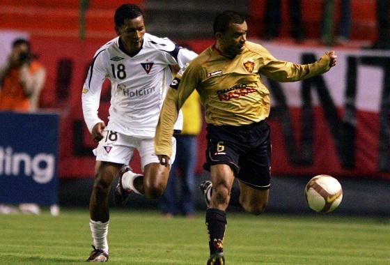 Libertadores de 2009, fase de grupos: LDU (EQU) 2x3 Sport. Foto: EFE/José Jácome