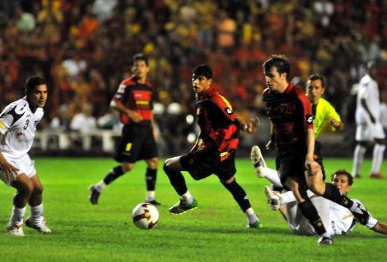 Libertadores de 2009, fase de grupos: Sport 2x0 LDU (EQU). Foto: Heitor Cunha/DP/D.A Press