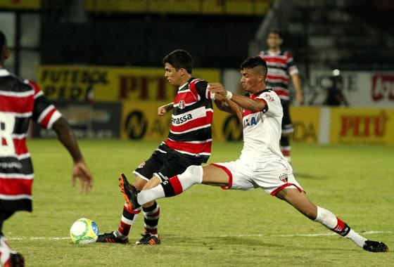 Série B 2014, 19ª rodada: Santa Cruz x Atlético-GO. Foto: Ricardo Fernandes/DP/D.A Press