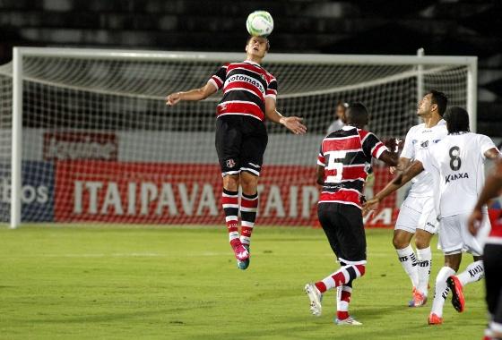 Série B 2014, 16ª rodada: Santa Cruz x Bragantino. Foto: Ricardo Fernandes/DP/D.A Press