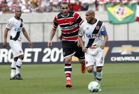 Série B 2014: Santa Cruz x Vasco. Foto: Ricardo Fernandes/DP/D.A Press