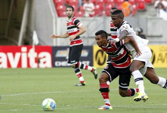 Série B 2014: Santa Cruz 1x0 Vasco. Foto: Ricardo Fernandes/DP/D.A Press