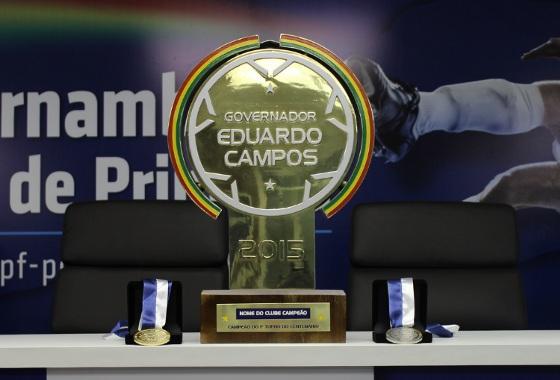 Troféu Eduardo Campos, do Pernambucano 2015. Foto: FPF/Assessoria