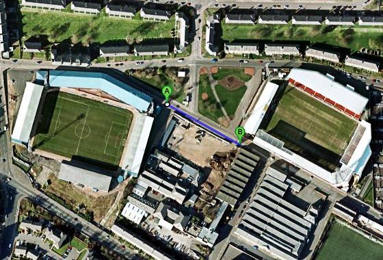 Estádios em Dundee, Escócia. Imagem: Google Maps
