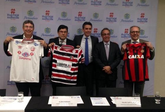 Presidentes de Náutico, Santa e Sport em apoio à campanha do governo de Pernambuco pelo HUB da TAM. Foto: Jamil Gomes/Santa Cruz/Site Oficial