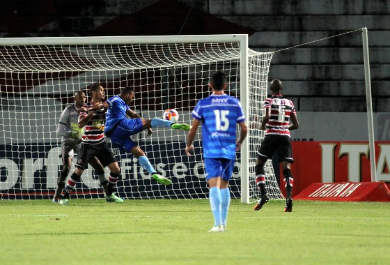 Série B 2015, 20ª rodada: Santa Cruz 1x0 Macaé. Foto: Guilherme Verissimo/DP/D.A Press
