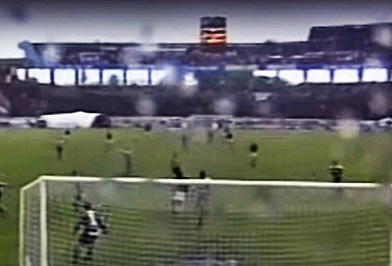 2c10ac94b3 Placar eletrônico do Arruda em 2001  Santa Cruz 2x1 Flamengo. Crédito  Rede  Globo