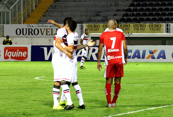 Série B 2015, 26ª rodada: Boa Esporte 1x3 Santa Cruz. Foto: PAKITO VARGINHA/FUTURA PRESS
