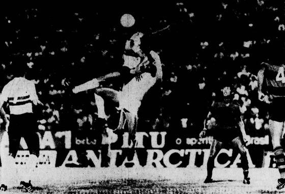 Série A 1977: Santa Cruz 1x1 Sport. Foto: Arquivo/DP