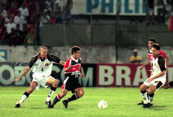 Série A 2000: Santa Cruz 0x3 Sport. Foto: Heitor Cunha/DP/D.A Press