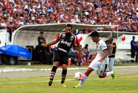 Série B 2015, 38ª rodada: Santa Cruz 3x1 Vitória. Foto: Rafael Martins/Esp./DP/D.A press