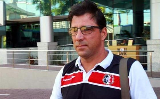 Marcelo Martelotte em sua última entrevista como técnico do Santa. Foto: Antônio Melcop/Santa Cruz